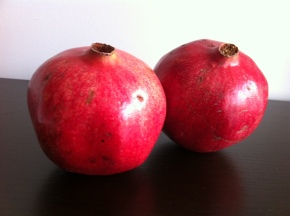 60 second pomegranate deseeding (and stress relief)